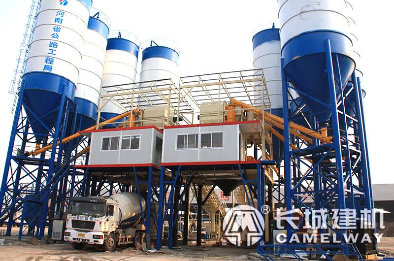 中等型号的混凝土搅拌站设备:90-150方/小时