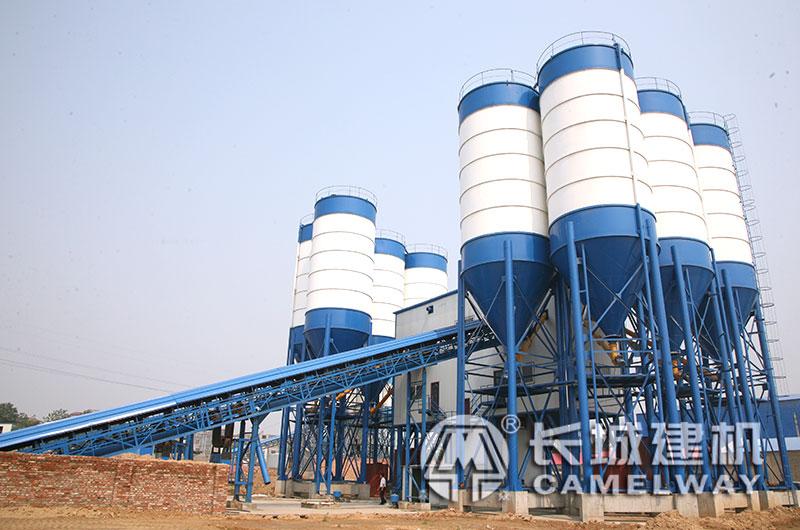新密HZS50混凝土拌合机生产线现场