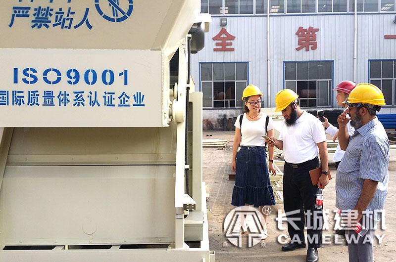 长城建机120拌和站价格实惠,国外客户前来购机